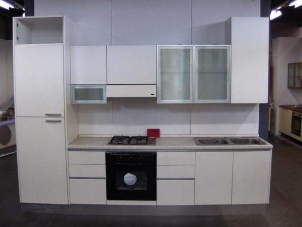 Cucina lineare bianca Feniglia